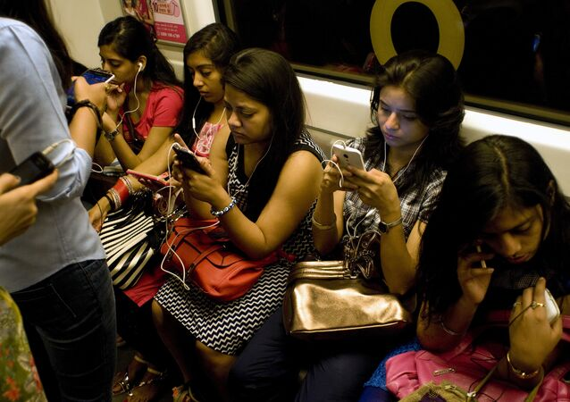 استخدام التواصل الاجتماعي