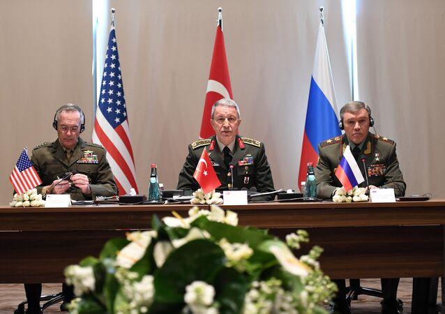 قادة الأركان الروسية والتركية والأمريكية