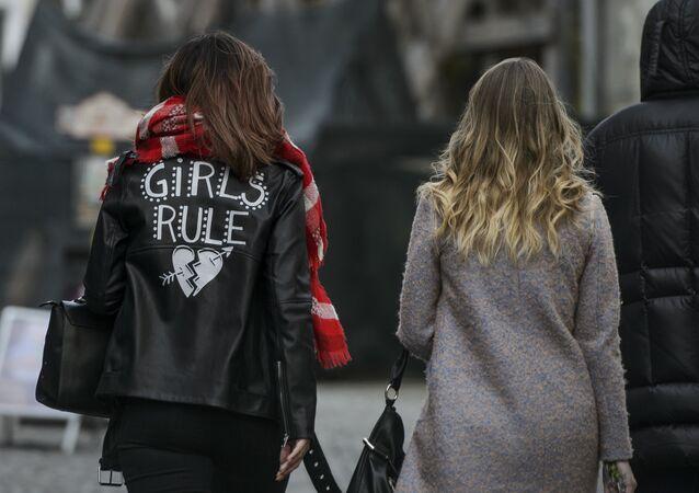 فتيات في اليوم العالمي للمرأة