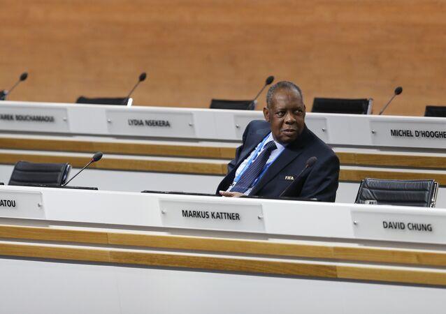 رئيس الاتحاد الأفريقي لكرة القدم الكاف عيسى حياتو