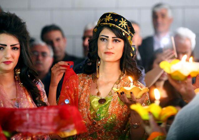 عرض سوري كردي للأزياء التقليدية في مدينة القامشلي، 10 مارس/ آذار 2017
