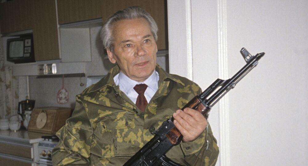 مصمم بندقية كلاشنكوف AK 47، ميخائيل تيموفييفيتش كلاشنيكوف