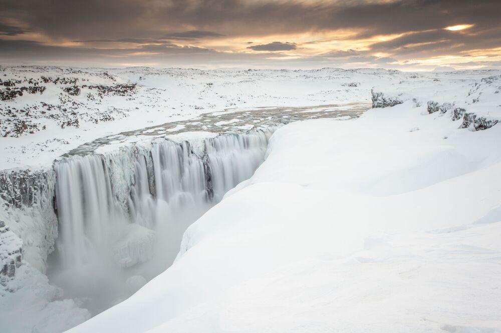 شلال ديتيفوس في آيسلندا