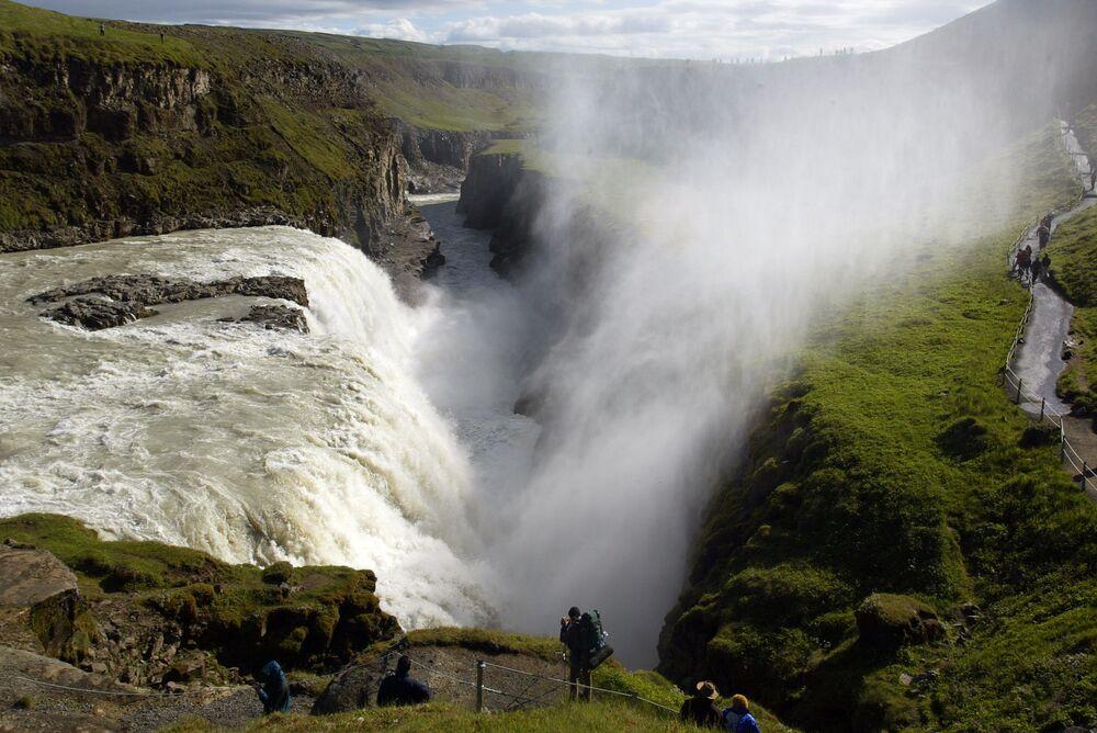 شلال غولفوس في آيسلندا