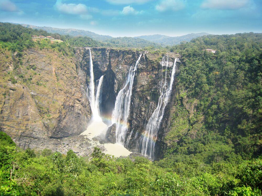 شلال جوغ في جنوب غرب الهند