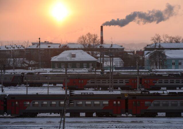 محطة نوفوسيبيرسك التي تعتبر الجزء الرئيسي من السكة الحديدية غرب سيبيريا