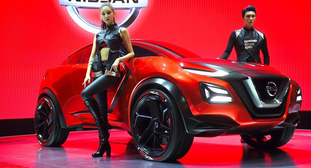 عارضات كوريات تقدّمن سيارة نيسان الجديدة Nissan Gripz  خلال معرض للسيارات Seoul Motor Show  في سيئول، كوريا الجنوبية 30 مارس/ آذار 2017