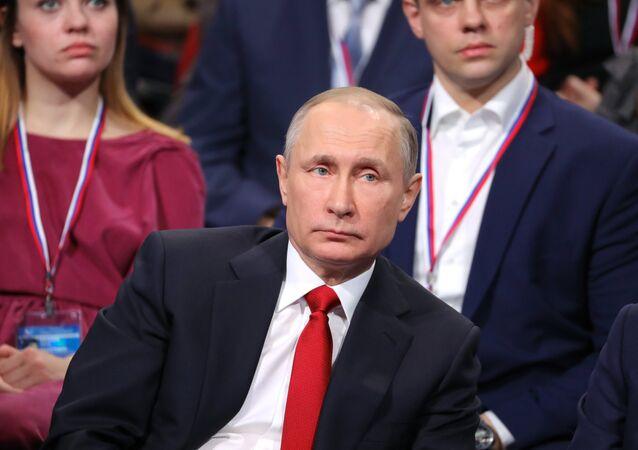 الرئيس الروسي فلاديمير بوتين في مدينة سانت بطرسبورغ، 3 ابريل/ نيسان 2017