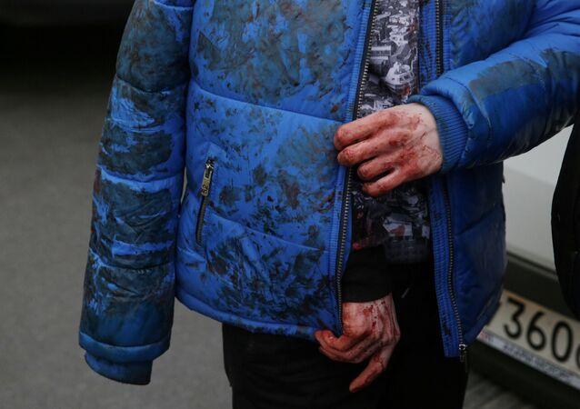 إسعاف الجرحى الذين تم إخلاءهم من محطة سينايا بلوشياد في مدينة سانت بطرسبورغ