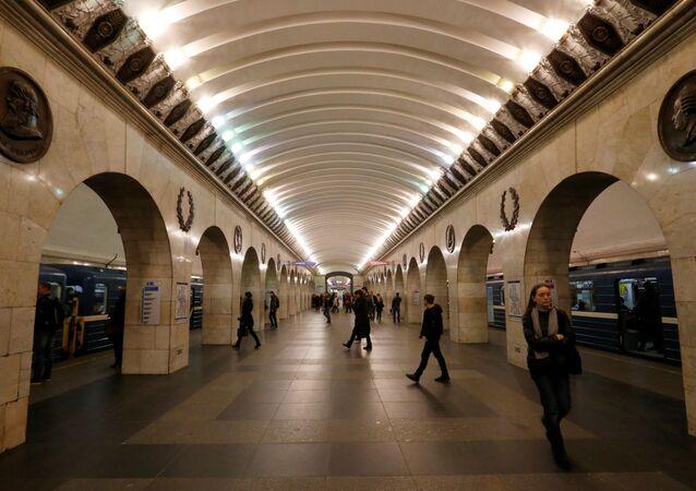 محطة مترو تيخنولوغيتشيسكي إنستيتوت في مدينة سان بطرسبورغ