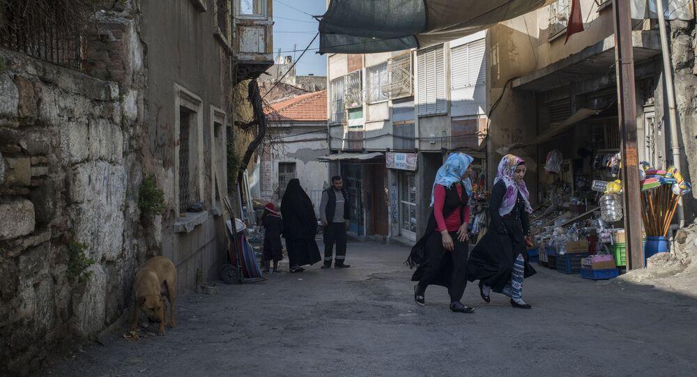 اللاجئون السوريون في إزمير، تركيا