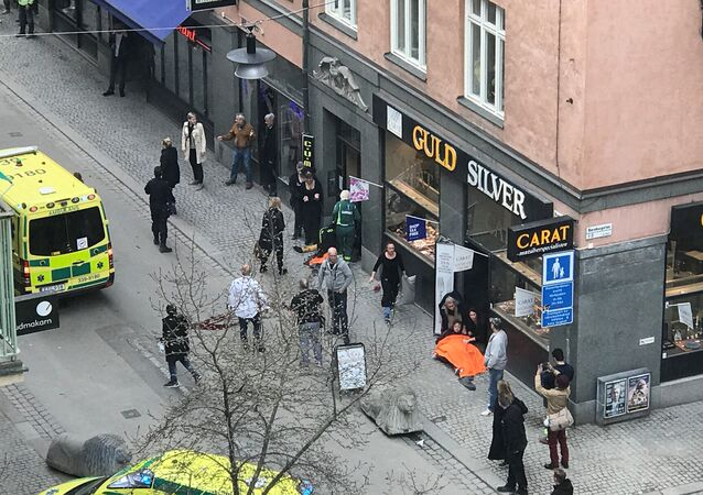 الشرطة في مكان حادثة الدهس بالعاصمة السويدية