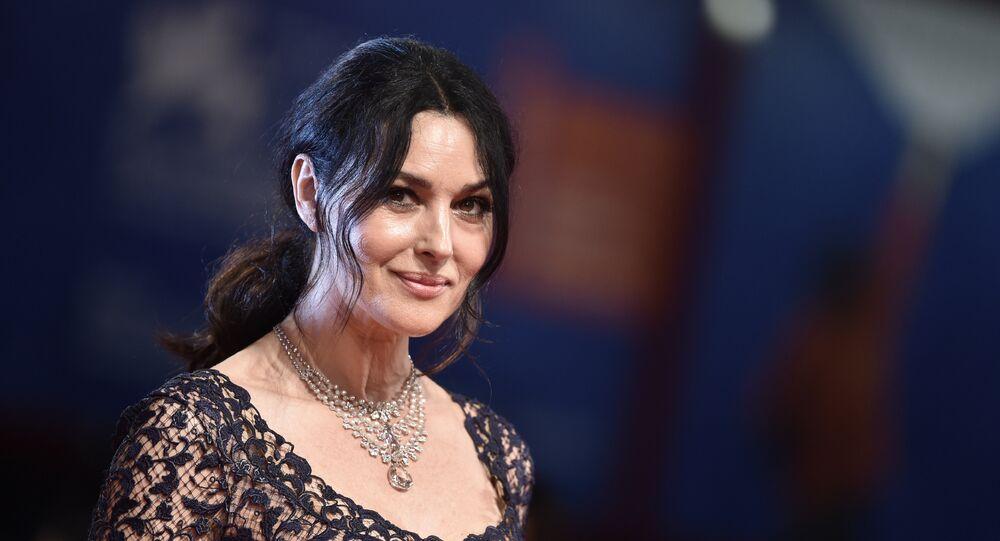 الممثلة الإيطالية مونيكا بيلوتشي