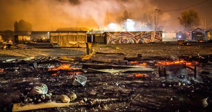 وضع اللاجئين في مخيم غراند-سان  للمهاجرين، اللاجئين، في دنكيرك، شمال فرنسا