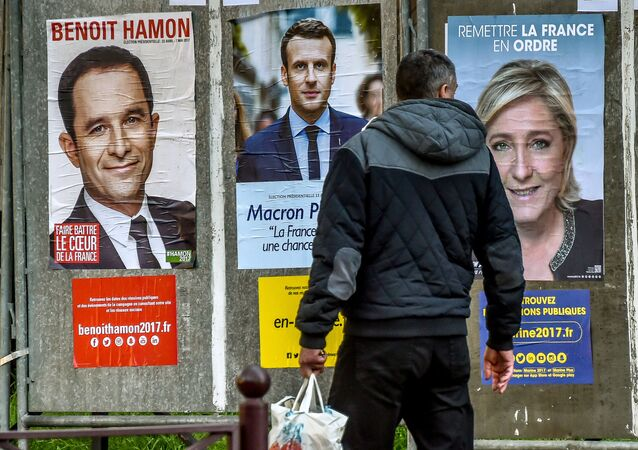 بدء الحملة الدعائية الانتخابية رسميا للمرشحين للانتخابات الرئاسية في فرنسا، تبدأ الجولة الأولى في 23 أبريل/ نيسان 2017