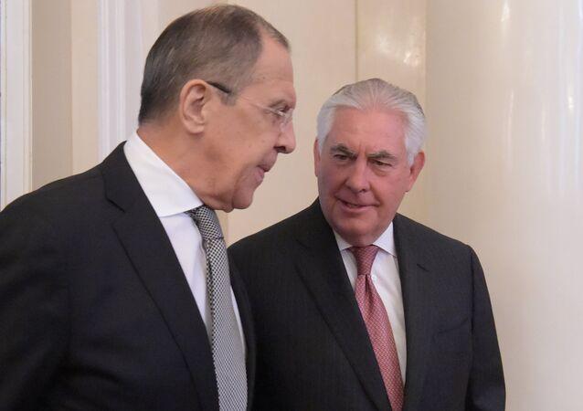 وزير الخارجية الروسية سيرغي لافروف ووزير الخارجية الأمريكية ريكس تيلرسون