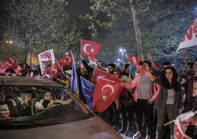 المظاهرات بعد الاستفتاء الدستوري في تركيا