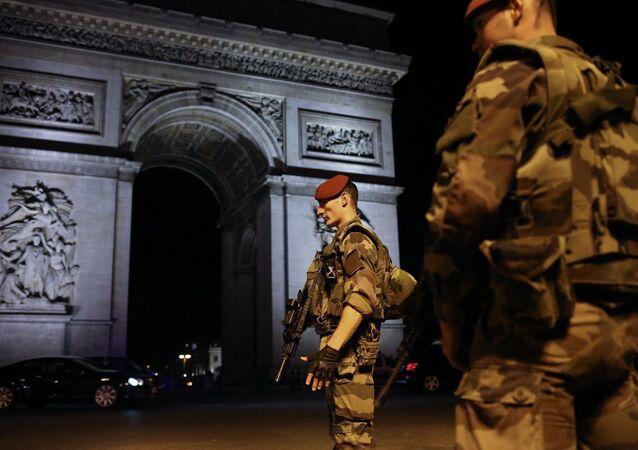 هجوم باريس - إطلاق نار وسط العاصمة