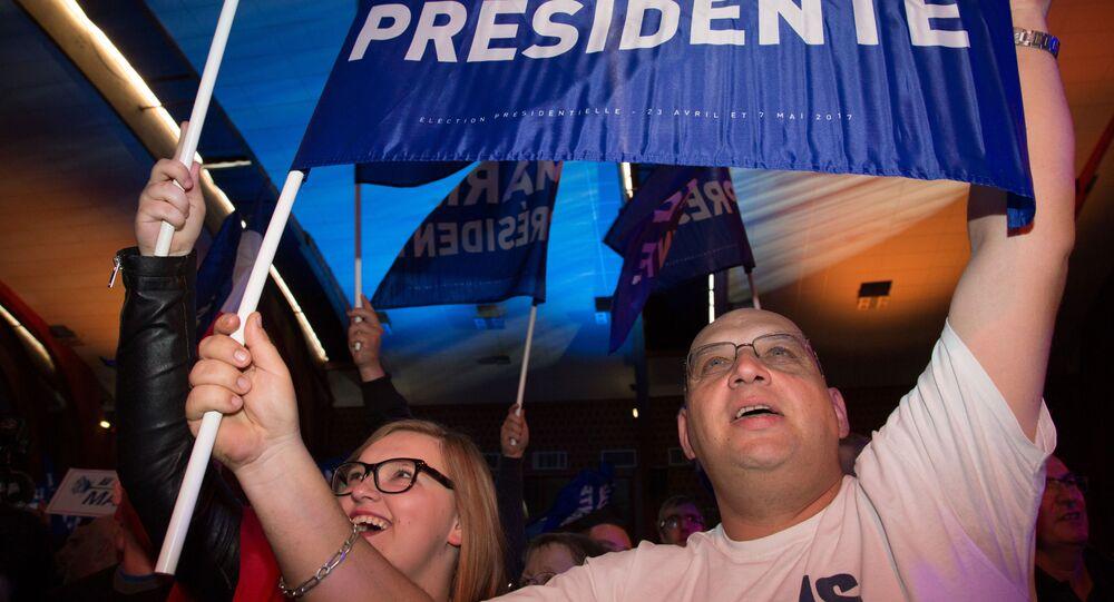 أنصار المرشحة للانتخابات الرئاسية الفرنسية مارين لوبان، باريس، فرنسا