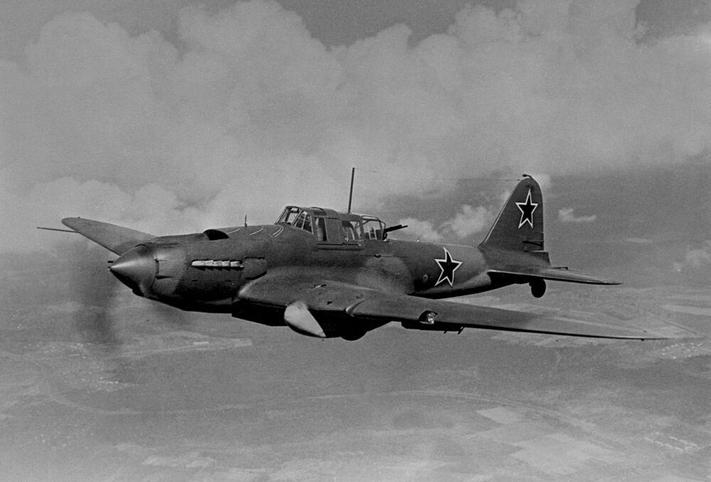 طائرة هجومية وقاذفة إيل-2 (1939-1941)