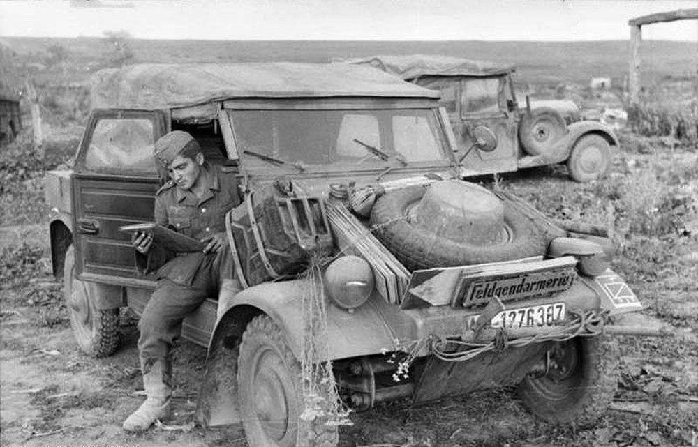 السيارات العسكرية الألمانية كوبيلواغن (Kubelwagen)، عام 1943
