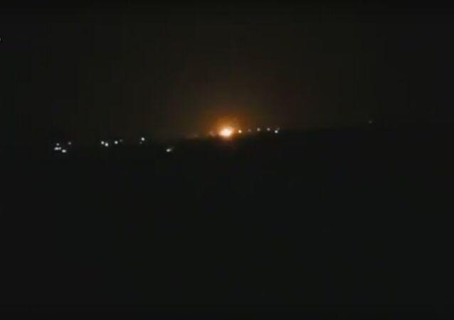 الحريق بالقربة من مطار دمشق