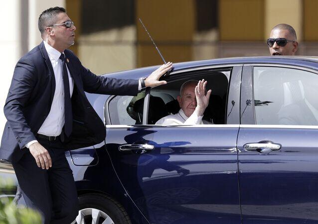 وصول بابا الفاتيكان إلى القاهرة - البابا فرنسيس