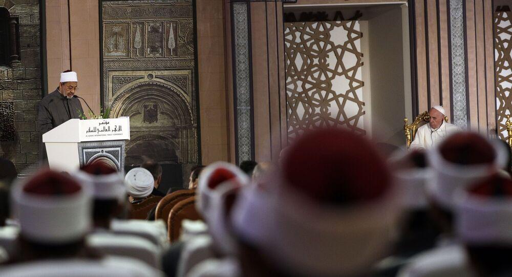 لقاء بابا الفاتيكان وإمام الأزهر الشيخ أحمد الطيب في القاهرة - البابا فرنسيس