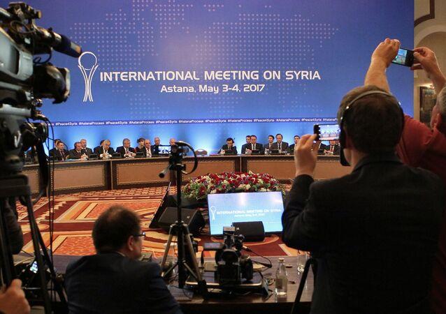 الجلسة العامة للجولة الرابعة من محادثات أستانا بشأن سوريا