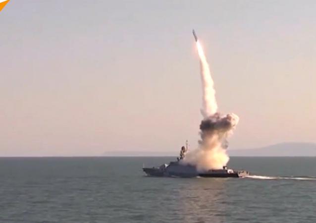 شاهد... تدريبات قتالية تظهر القوة الهائلة للبحرية الروسية
