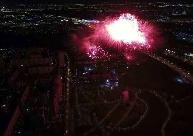 الألعاب النارية في عيد النصر