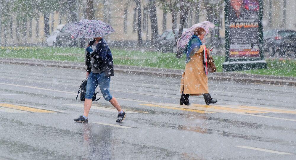 تغير مفاجئ في درجات الحرارة في روسيا، ومدينة موسكو تشهد تساقط ثلوج كثيفة