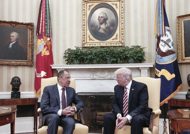 لقاء الرئيس الأمريكي دونالد ترامب ووزير الخارجية الروسي سيرغي لافروف في واشنطن، الولايات المتحدة 10 مايو/ آيار 2017
