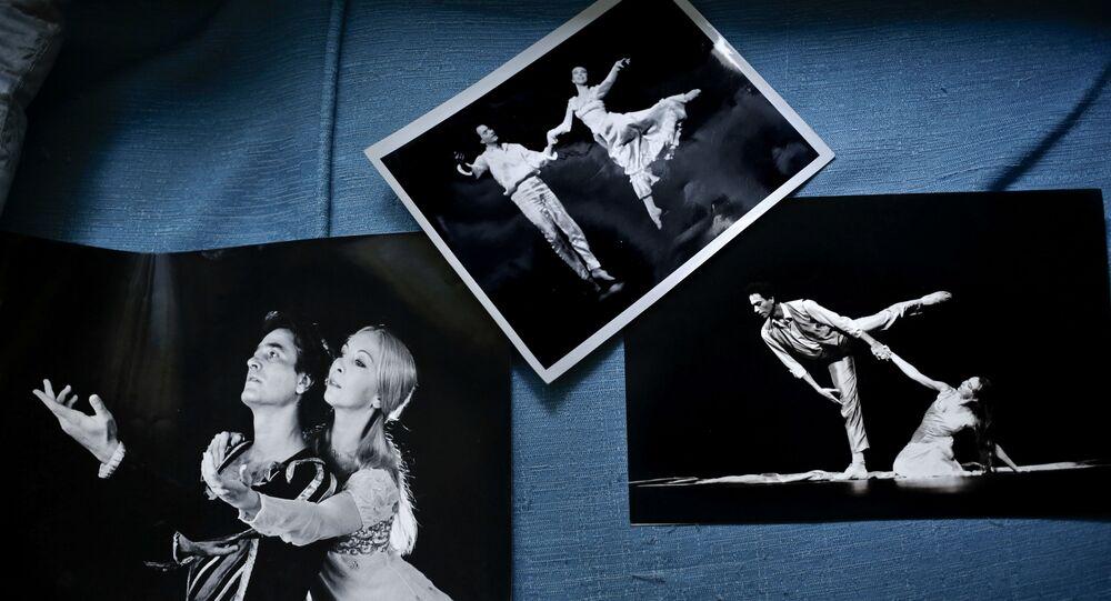 رقص الباليه في مصر - صور فوتوغرافية لراقص باليه الراحل المصري عبد المنعم كامل وزوجته إرمينيا في دار الأوبرا بالقاهرة