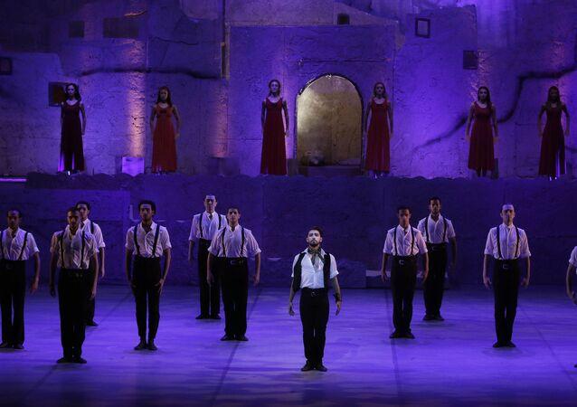 مسرح دار الأوبرا بالقاهرة