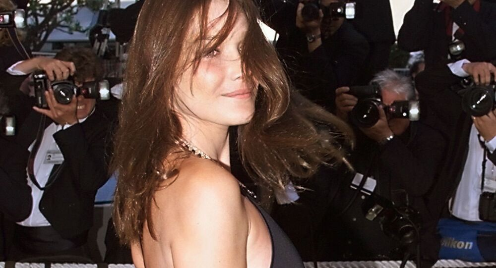 عارضة الأزياء كارلا بروني ساركوزي في مهرجان كان السينمائي