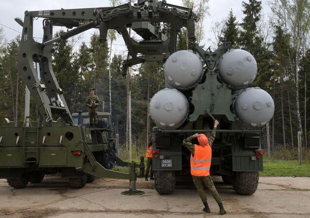عملية تفقد وشحن منظومة إس-400 بمقاطعة موسكو