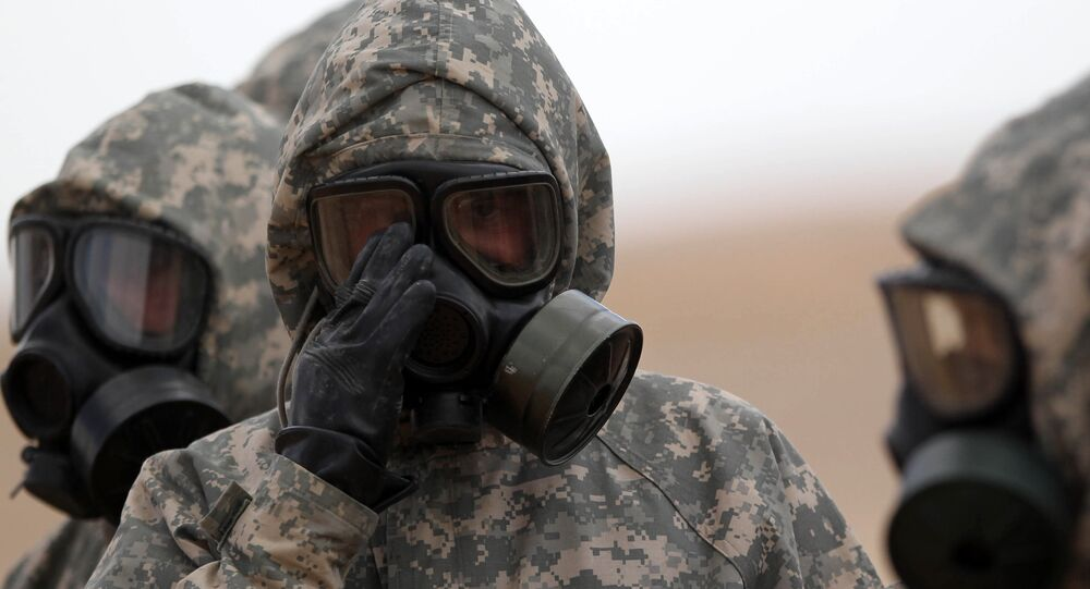 هجوم باستخدام أسلحة بيولوجية وكيميائية