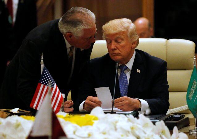 ترامب وتيرلسون في القمة اخليجية الأمريكية