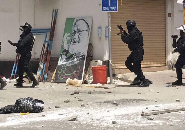 اشتباكات بين الشرطة البحرينية والمتظاهرين في الدراز، البحرين 23 مايو/ آيار 2017
