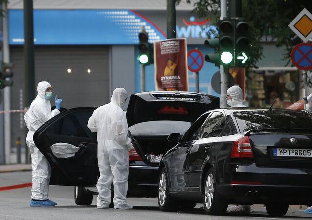 انفجار في سيارة رئيس وزراء اليونان السابق