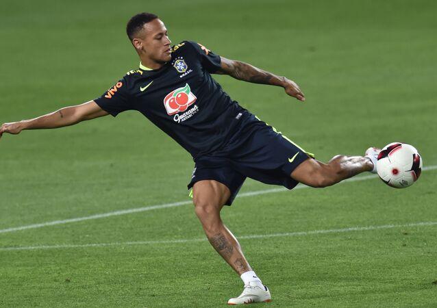 لاعب فريق كرة القدم البرازيلي نيمار
