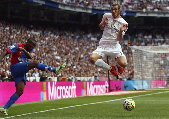لاعب فريق ريال مدريد وفريقه الوطني ويلز غاريث بيل