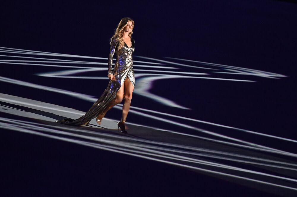 عارضة الأزياء البرازيلية جيزل بيوندخن