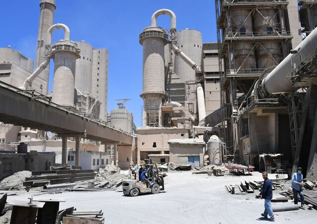 مصنع الاسمنت في طرطوس، في سوريا