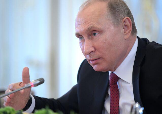 الرئيس فلاديمير بوتين خلال أعمال منتدى سان بطرسبورغ الدولي الاقتصادي لعام 2017