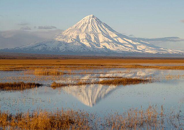 بركان كرونوتسكي في كامتشاتكا