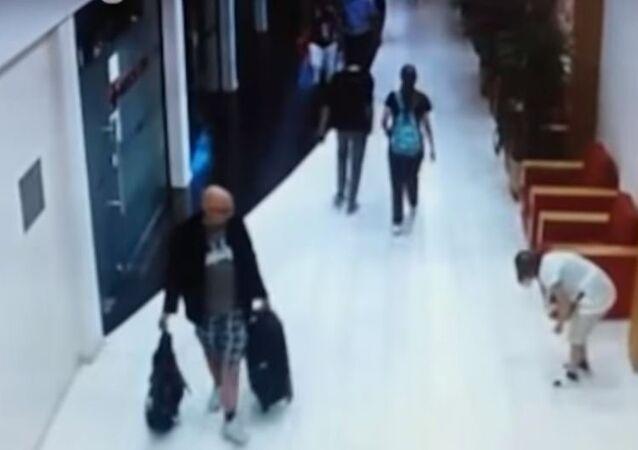 سائح سويدي يعتدي بالضرب على عاملة تنظيف