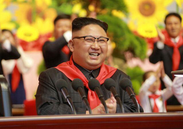 زعيم كوريا الشمالية كيم كيم جونغ أون خلال حضوره الكونغرس الثامن لاتحاد أطفال كوريا الشمالية في بيون يانغ، 8 يونيو/ حزيران 2017