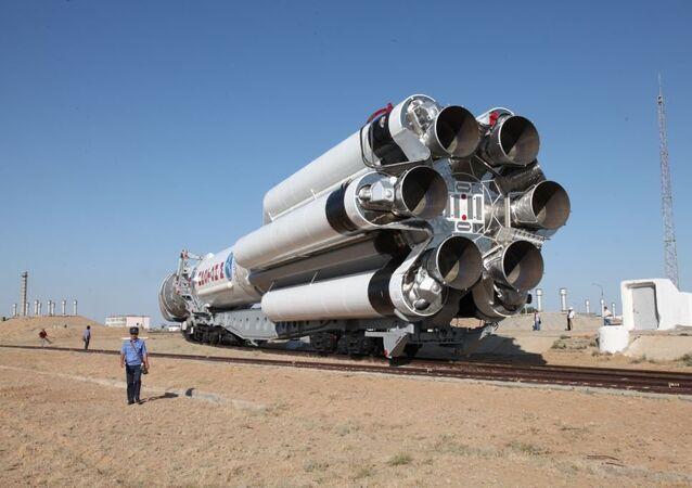 حامل الصواريخ بروتون إم